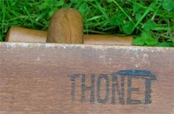 Thonet_marquage_encre