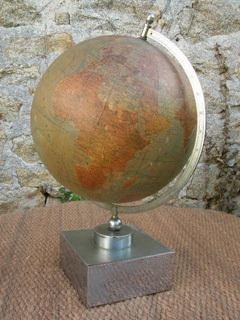 Globe_terrestre_1950